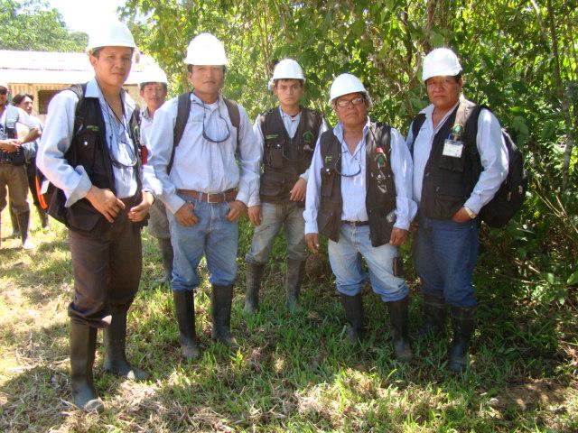 Equipo de monitores ambientales de la Federación de Comunidades Nativas del Corrientes - FECONACO. Los vigilantes del ambiente y el territorio en la cuenca. Abril, 2013.