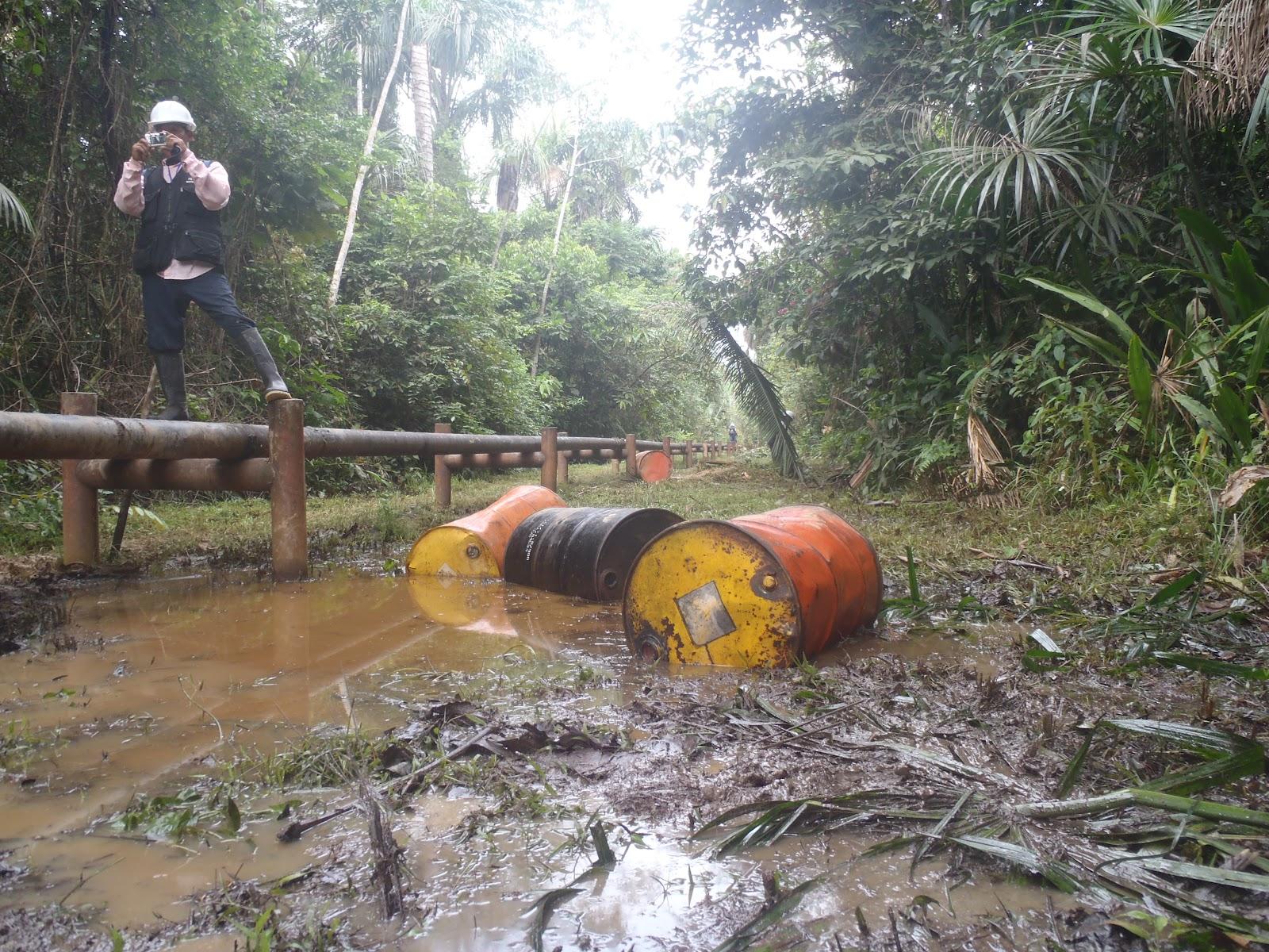 Los monitores ambientales indígenas han cumplido un papel protagónico en las investigaciones ambientales realizadas por autoridades públicas. Sin un registro de pasivos e impactos de contaminación, ellos son los ojos de la vigilancia ambiental. Foto: FECONAT.