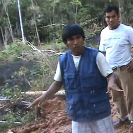 Elmer Hualinha Majin, vigilante ambiental quechua,