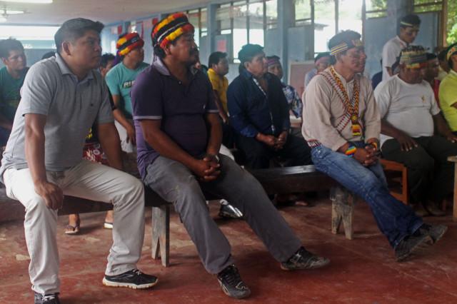 Presidente de FECONACO Carlos Sandi; apu de José Olaya, Abel Nango; y presidente de FEDIQUEP, Aurelio Chino.