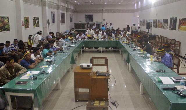 Inicio de reunión entre comunidades del Pastaza y Corrientes y Estado, en la Consulta Previa del Lote 192.