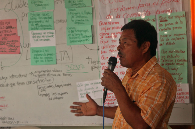 Apu Rusbel Casternoque, durante intervención ante la asamblea.
