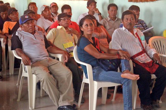 Apus y madres indígenas se reunieron en el auditorio de Radio Ucamara, para su evaluación interna en la Consulta Previa del Proyecto Hidrovía Amazónica.