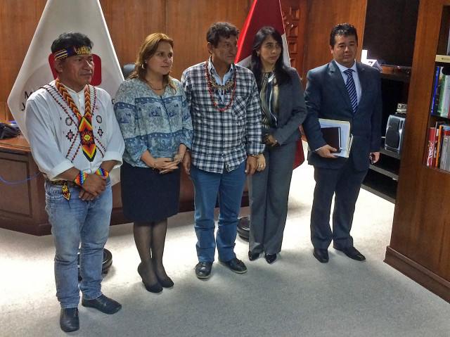 Ministra de Justicia con apus Aurelio Chino y Alfonso López.