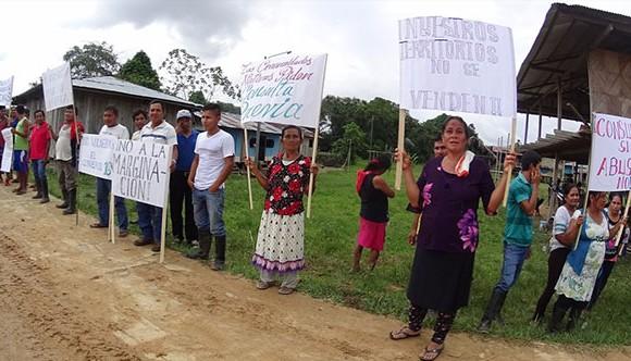 mujeres en protestaW